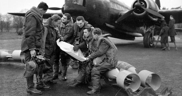 Lancaster crew WW2